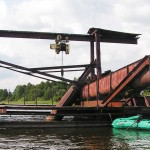 Заброшенные грузовые баржи на Сергеевичском озере