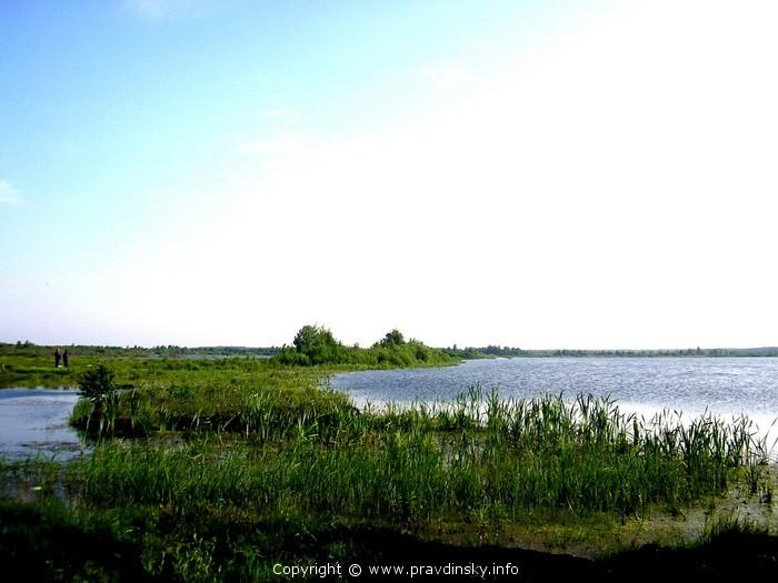 Рукотворное озеро — разливы